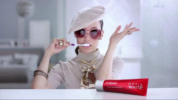 Colgate Optic White TV Spot, 'Accessories' - Thumbnail 8
