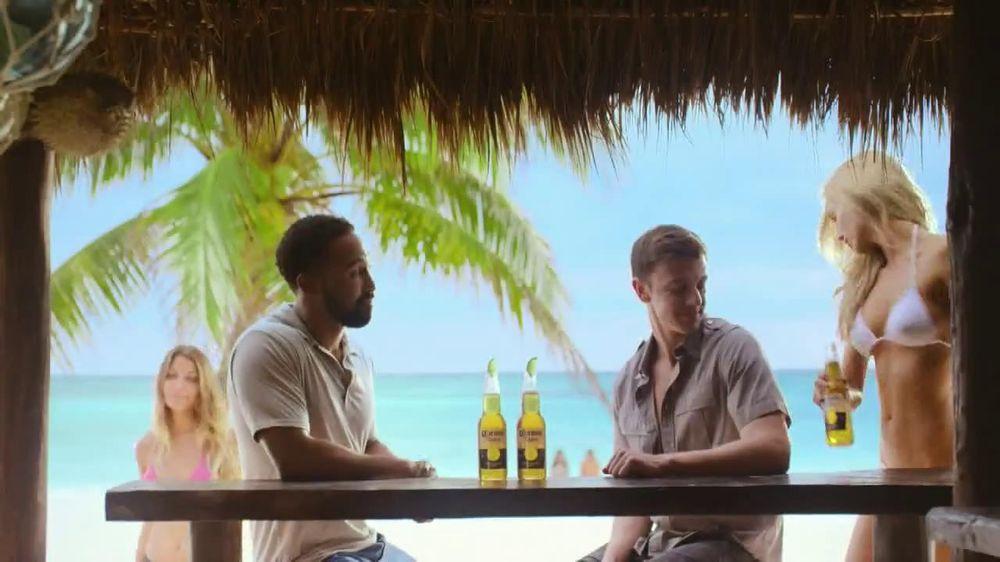 Corona Extra TV Spot, 'Shoes' - Screenshot 1