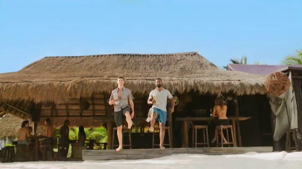 Corona Extra TV Spot, 'Shoes' - Screenshot 2