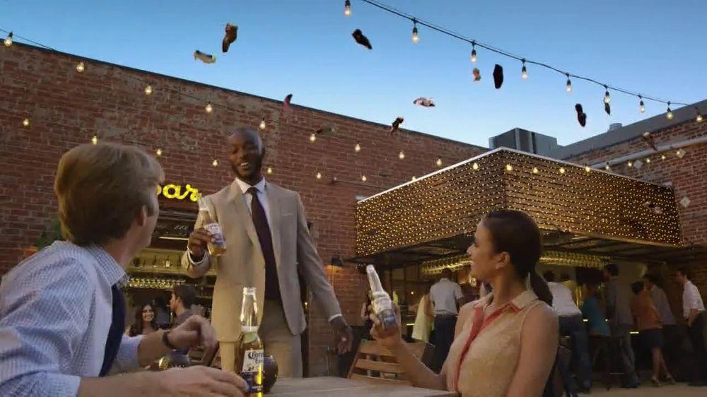 Corona Extra TV Spot, 'Shoes' - Screenshot 7