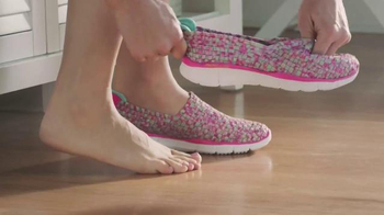 SKECHERS Stretch Weave TV Spot, 'Comfortable Style' thumbnail