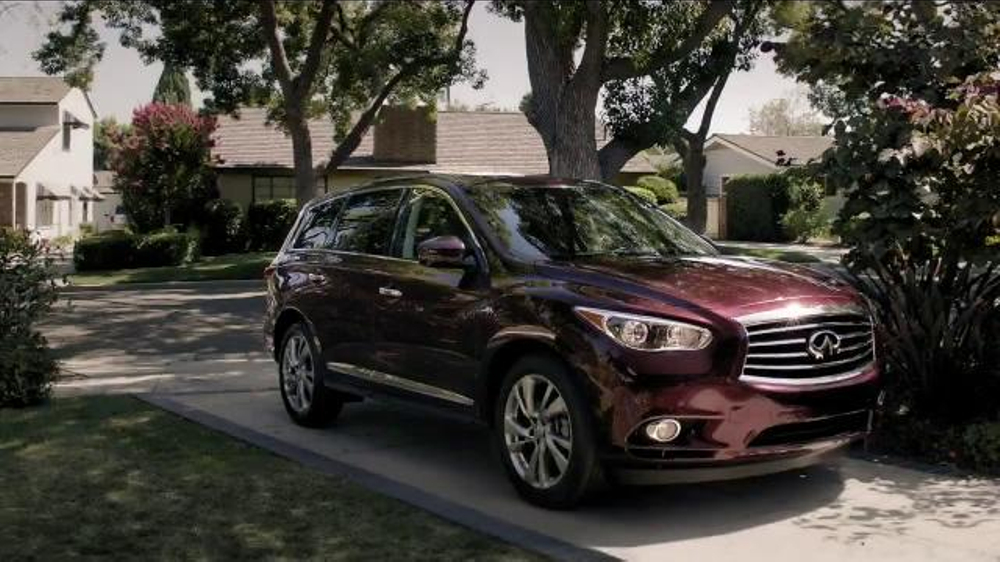 Infiniti QX60 TV Spot, 'Backing Up'