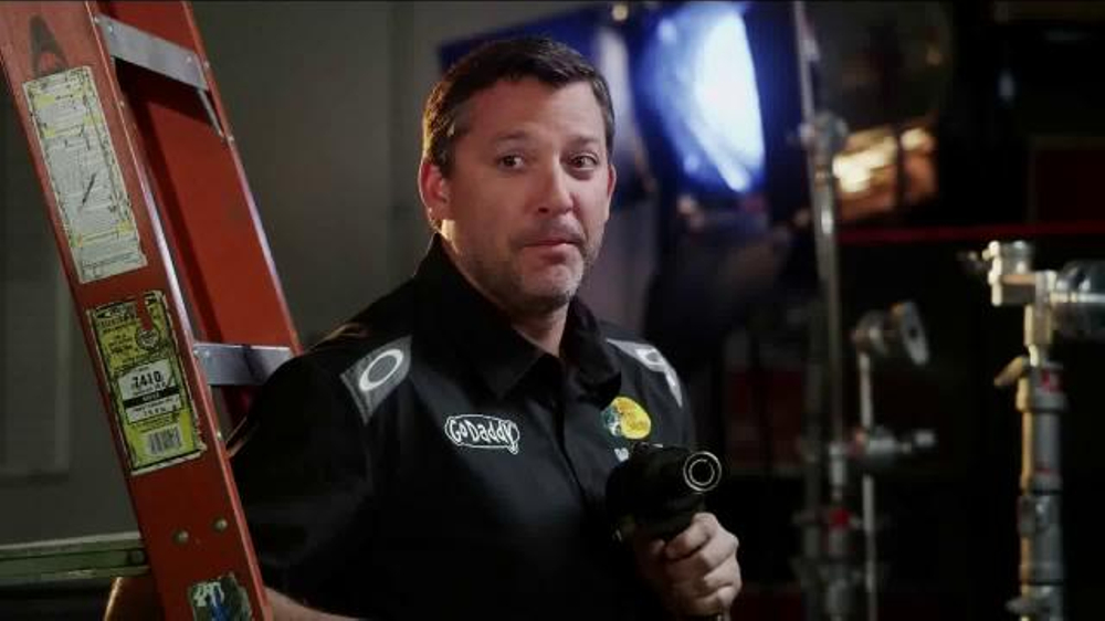 GoDaddy TV Spot, 'Air Wrench: Tony Stewart Pranks Danica Patrick' - Screenshot 5