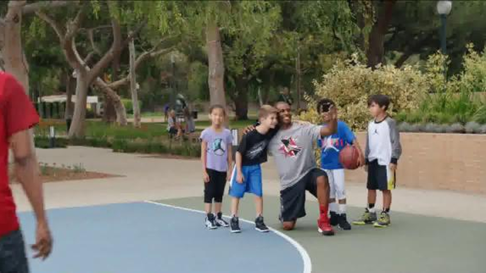 Kids Foot Locker Jordan TV Spot, 'Selfie' Featuring Chris Paul - Screenshot 2
