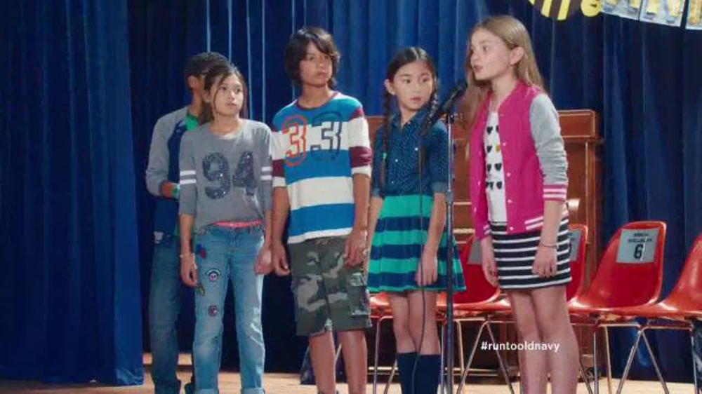 Old Navy Back to School Sale TV Spot, 'Spell Me This' Featuring Amy Poehler - Screenshot 8