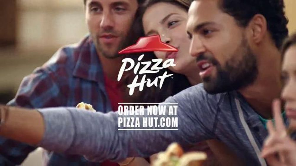 Pizza Hut TV Spot, '$7.99 Online Deal' - Screenshot 10