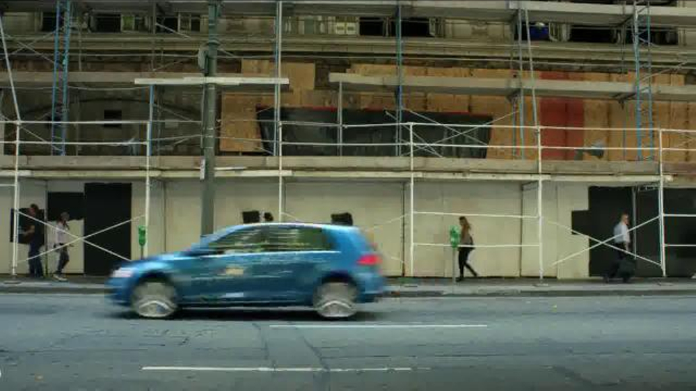 who is the actor in the 2014 honda fit commercials autos