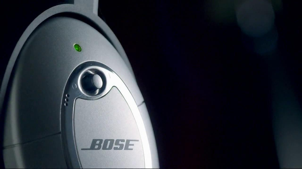 Bose QuietComfort 15 TV Spot, 'Band' - Screenshot 4