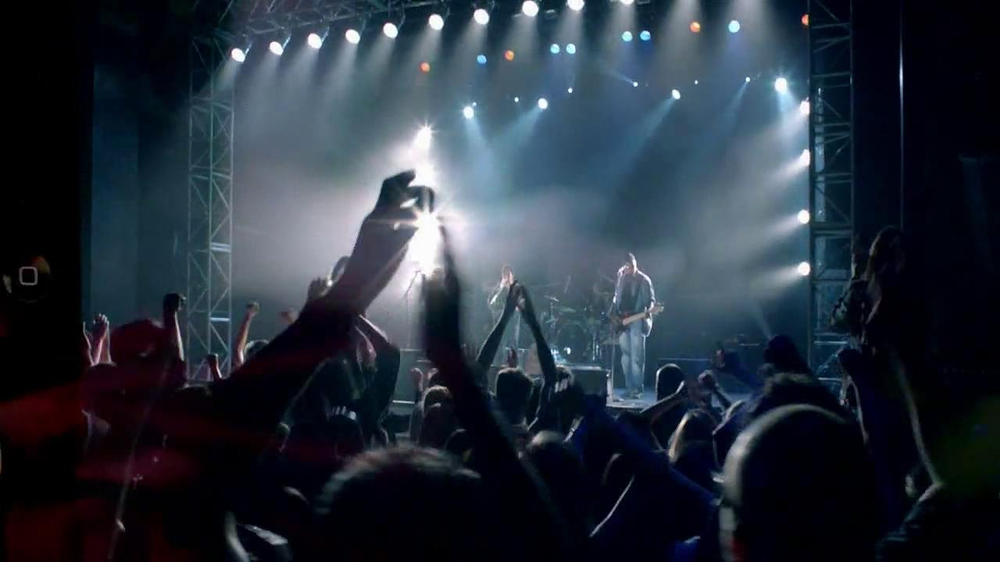 Bose QuietComfort 15 TV Spot, 'Band' - Screenshot 5