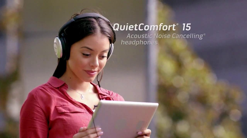 Bose QuietComfort 15 TV Spot, 'Band' - Screenshot 6