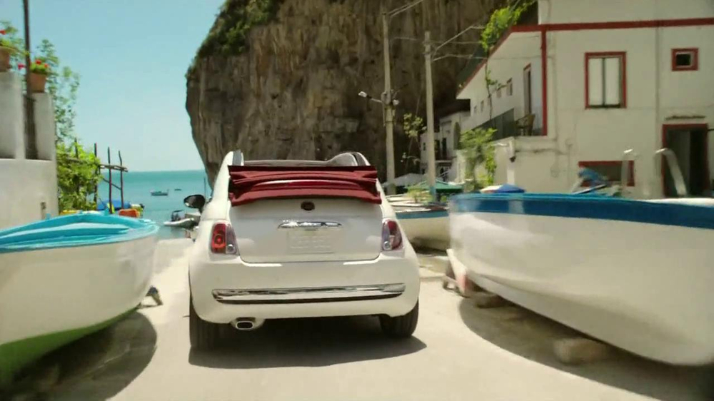 FIAT 500 TV Spot, 'Immigrants' Song by Pitbull Featuring Arianna - Screenshot 5
