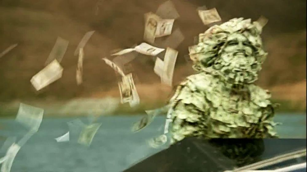 GEICO TV Spot, 'Money Man: Boat' - Screenshot 10