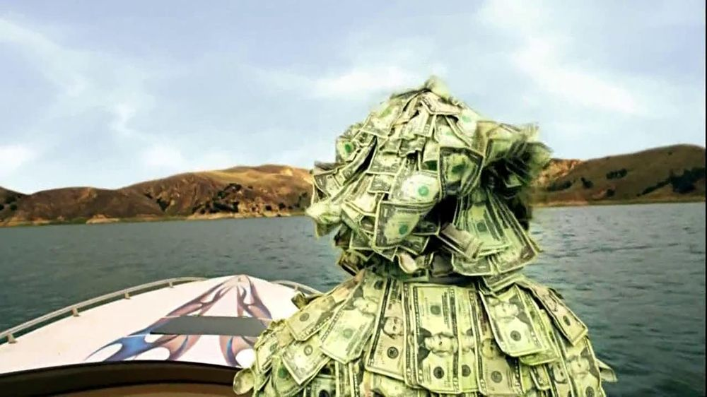 GEICO TV Spot, 'Money Man: Boat' - Screenshot 2