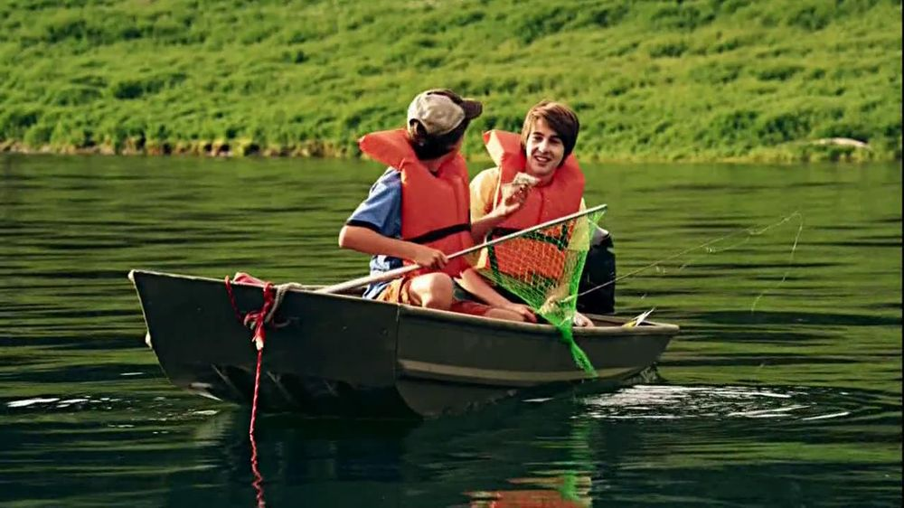 GEICO TV Spot, 'Money Man: Boat' - Screenshot 9