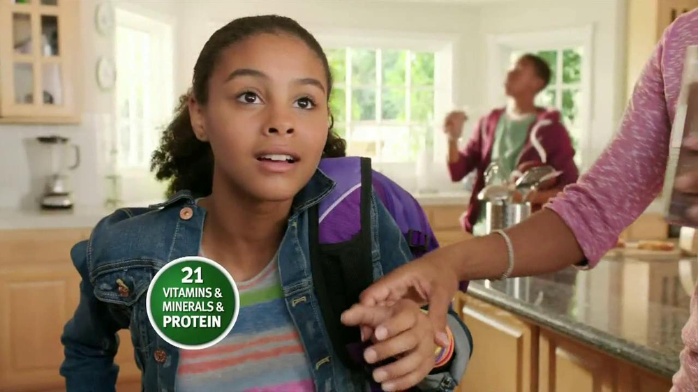 Carnation Breakfast Essentials TV Spot Featuring Holly Robinson Peete - Screenshot 8
