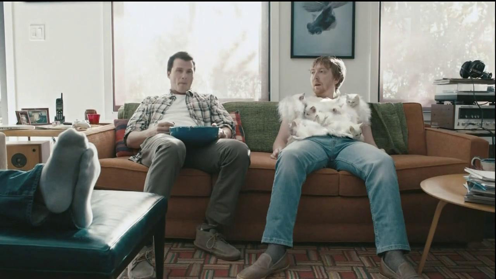 Hanes Comfort Blend T-Shirt TV Spot, 'Kitten Shirt' Feat. Michael Jordan - Screenshot 10