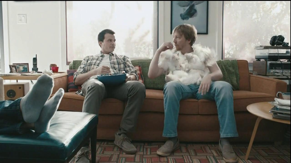 Hanes Comfort Blend T-Shirt TV Spot, 'Kitten Shirt' Feat. Michael Jordan - Screenshot 8