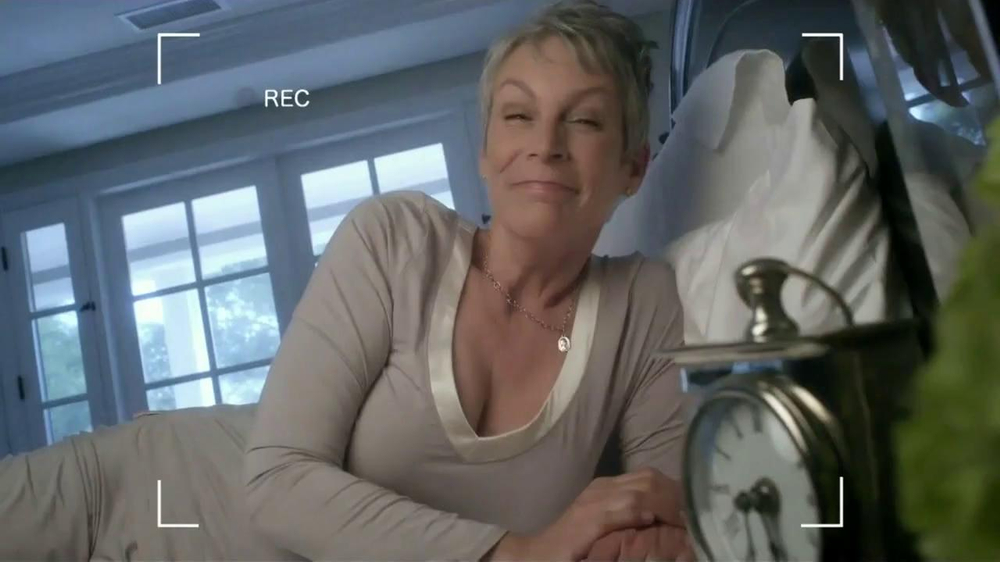 Activia Breakfast Blend TV Spot Featuring Jamie Lee Curtis - Screenshot 1