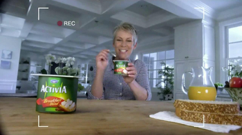 Activia Breakfast Blend TV Spot Featuring Jamie Lee Curtis - Thumbnail 4