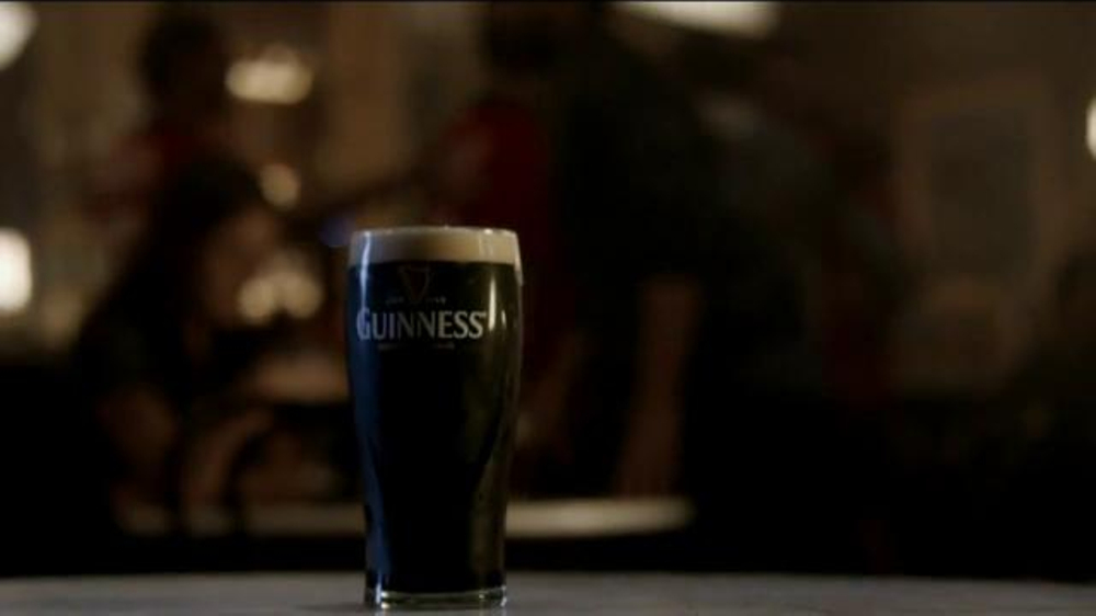 Guinness TV Spot, 'Empty Chair' - Screenshot 3