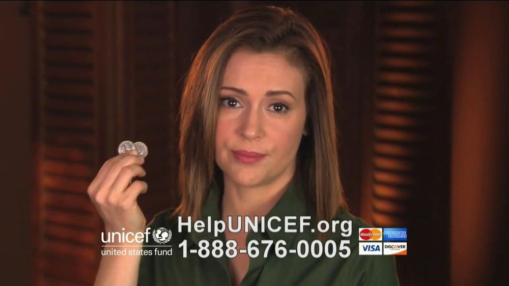 UNICEF TV Spot, 'What Would You Do?' Featuring Alyssa Milano - Screenshot 6