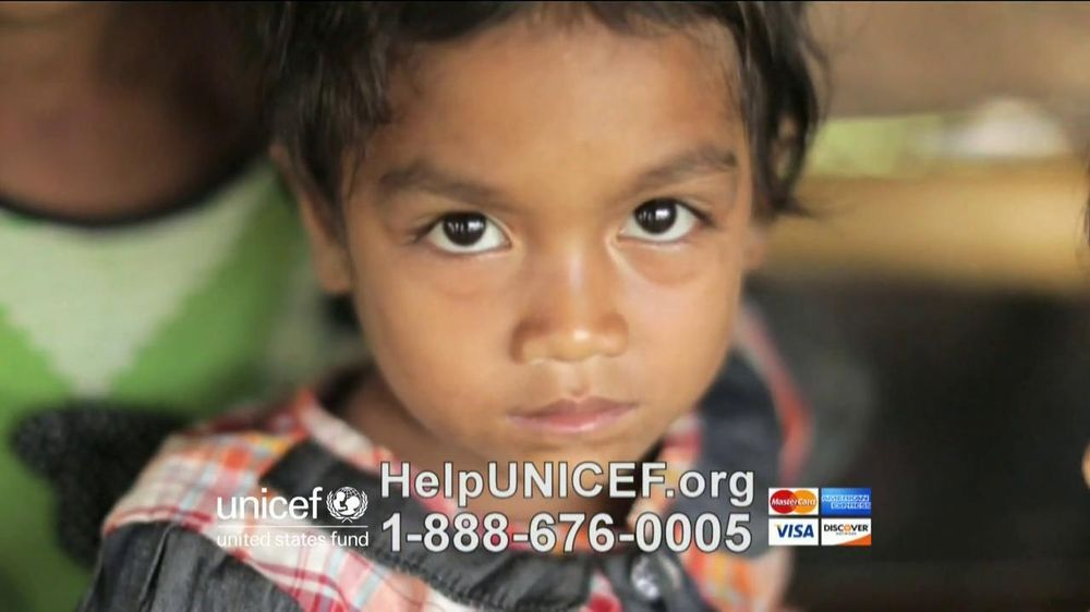 UNICEF TV Spot, 'What Would You Do?' Featuring Alyssa Milano - Screenshot 7