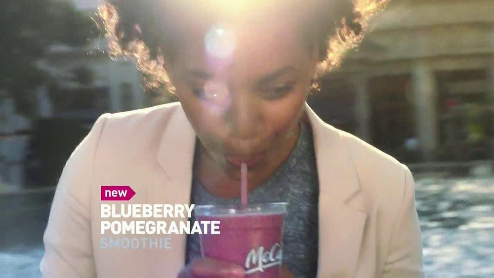 McDonald's Blueberry Pomegranate Smoothie TV Spot, 'Fountain' - Screenshot 5