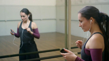 Apple iPhone 5 TV Spot, 'Music Every Day' Song by Rob Simonsen - Thumbnail 3