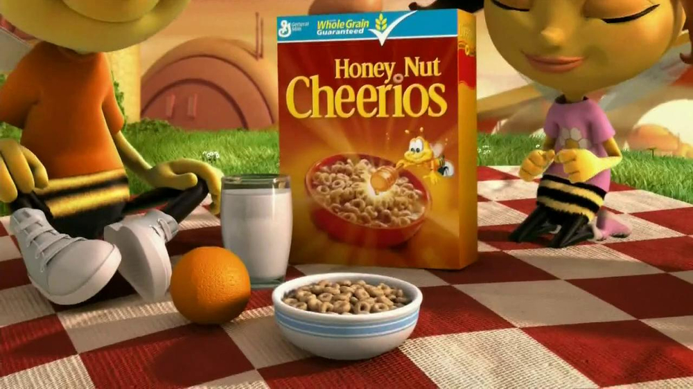 Honey Nut Cheerios TV Spot, 'Yellow Jacket' - Screenshot 1