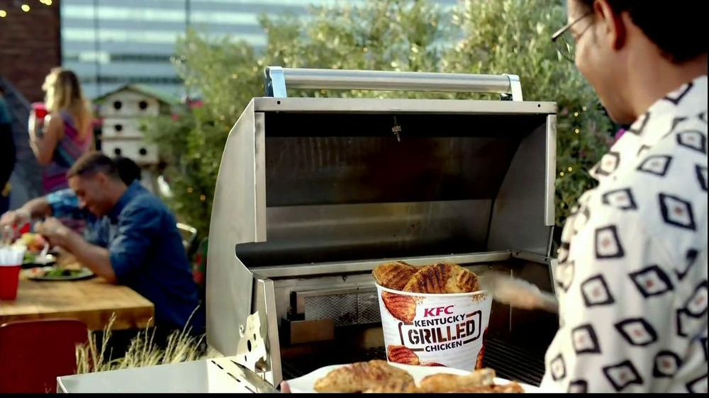 KFC Kentucky Grilled Chicken TV Spot, 'Louis' - Screenshot 8