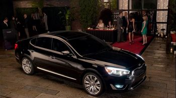Kia Cadenza TV Spot, 'Impossible to Ignore' Song by David Bowie - Thumbnail 10