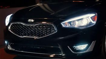 Kia Cadenza TV Spot, 'Impossible to Ignore' Song by David Bowie - Thumbnail 3