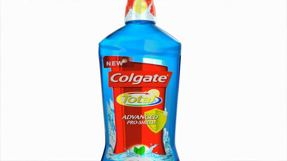 Colgate Total Adavanced Mouthwash TV Spot, 'Beach' Ft. Kelly Ripa - Screenshot 5