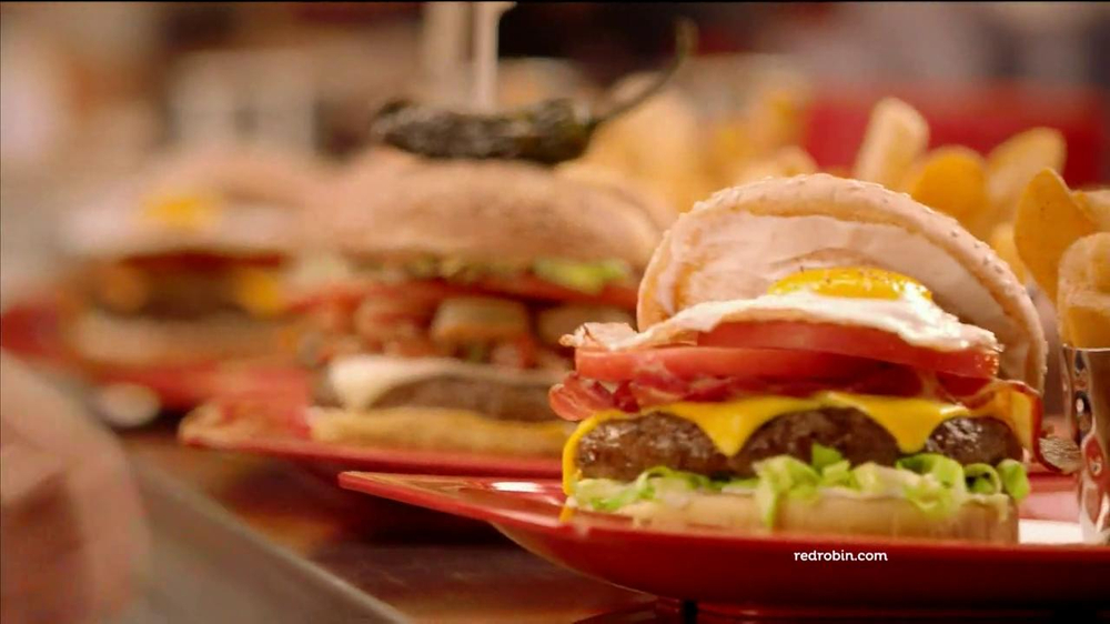 Red Robin Burgers TV Spot, 'Teenage Daughter' - Screenshot 1