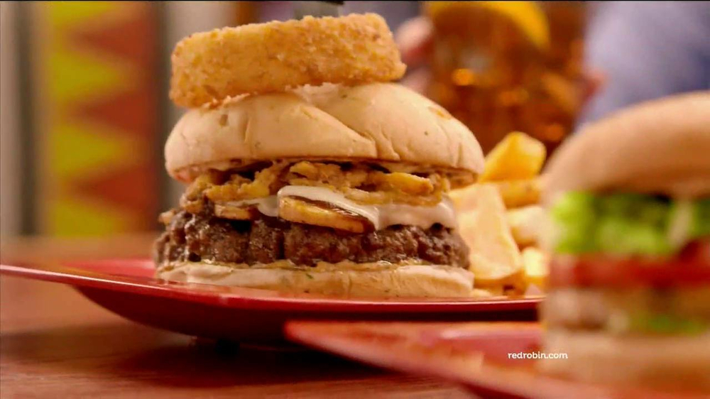 Red Robin Burgers TV Spot, 'Teenage Daughter' - Screenshot 2