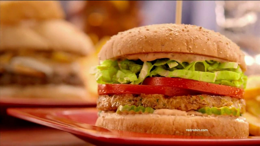 Red Robin Burgers TV Spot, 'Teenage Daughter' - Screenshot 3