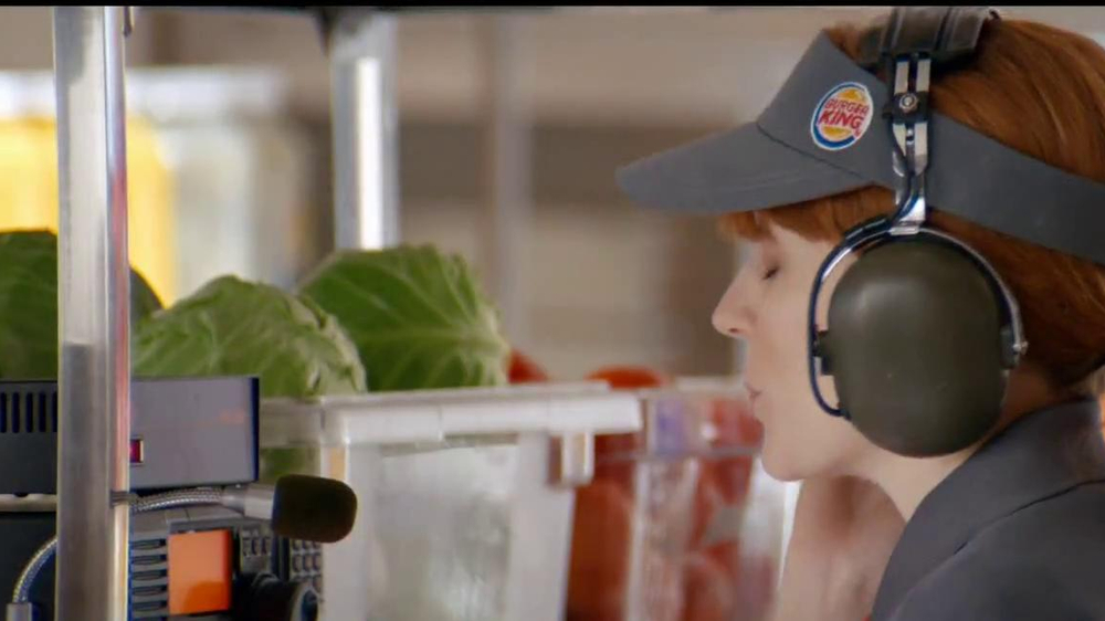 Burger King Chipotle Chicken Sandwich TV Spot, 'Aliens' - Screenshot 1