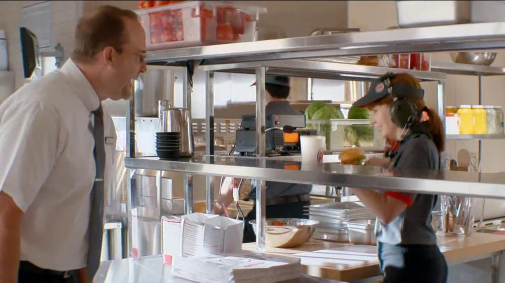 Burger King Chipotle Chicken Sandwich TV Spot, 'Aliens' - Screenshot 4