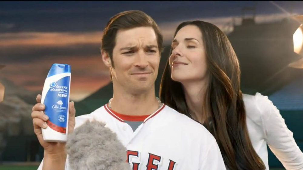 Head & Shoulders with Old Spice TV Spot, 'Microphone' Feat. C.J. Wilson - Screenshot 4