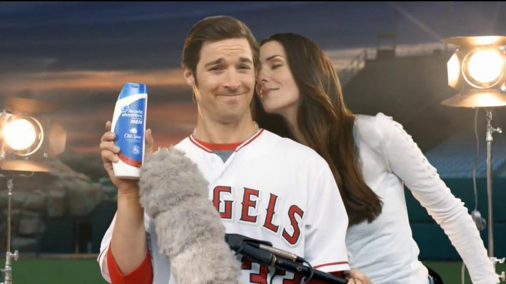 Head & Shoulders with Old Spice TV Spot, 'Microphone' Feat. C.J. Wilson - Screenshot 7