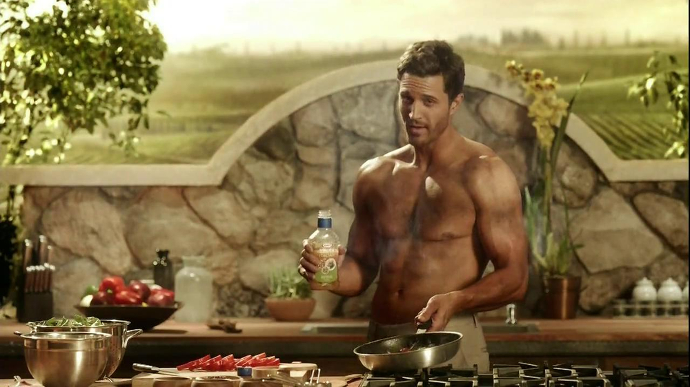 Kraft Zesty Italian Anything Dressing TV Spot, 'Burning Shirt' - Screenshot 10