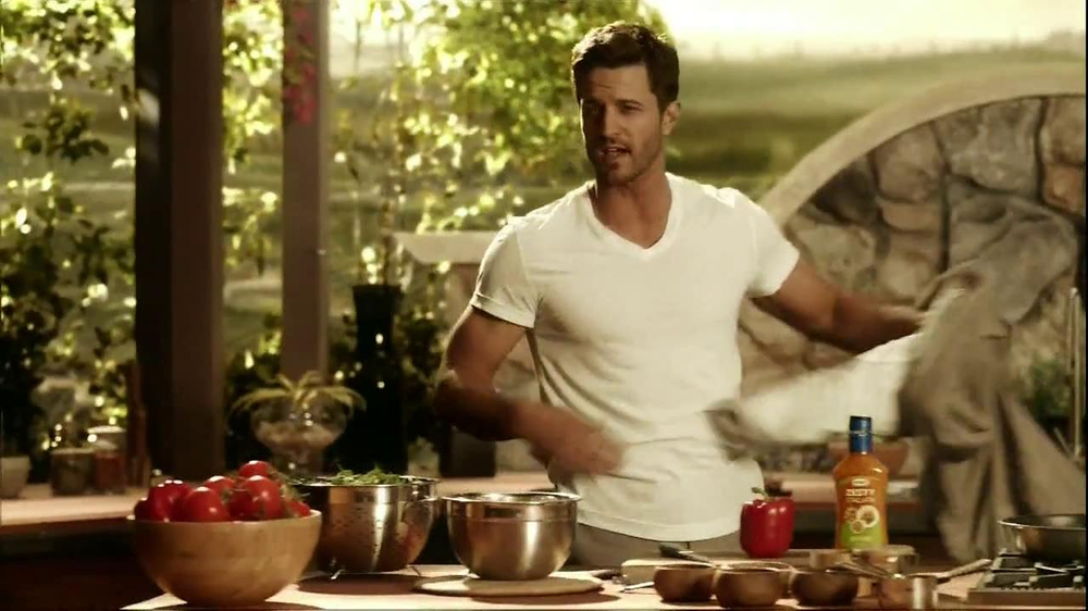 Kraft Zesty Italian Anything Dressing TV Spot, 'Burning Shirt' - Screenshot 2