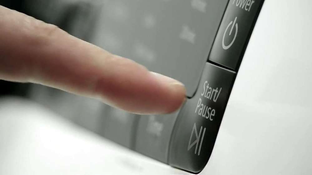 Chevrolet Sonic with Siri TV Spot, 'Buttons' - Screenshot 3