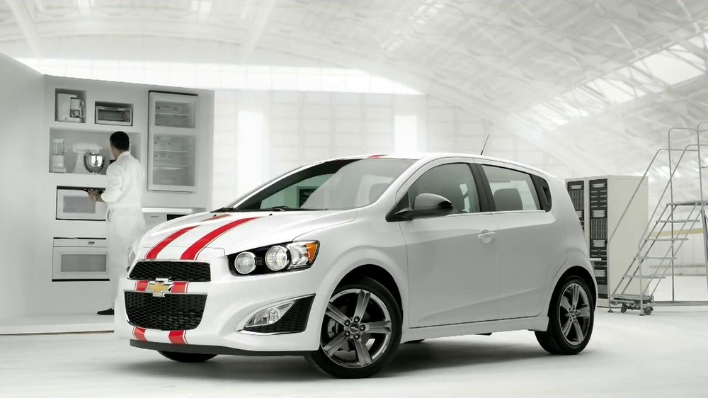 Chevrolet Sonic with Siri TV Spot, 'Buttons' - Screenshot 9