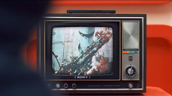 Sony Mobile Xperia Z TV Spot, 'Sound and Vision' Song by David Bowie - Thumbnail 2