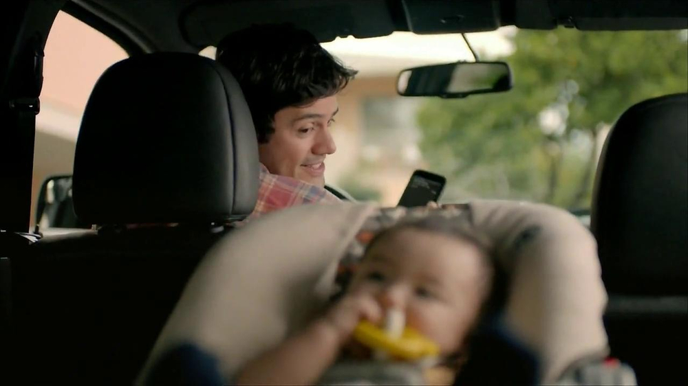 Wells Fargo TV Spot, 'Daddy's Day Out with Baby' - Screenshot 2