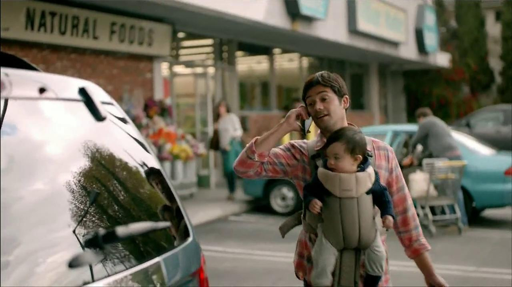 Wells Fargo TV Spot, 'Daddy's Day Out with Baby' - Screenshot 8