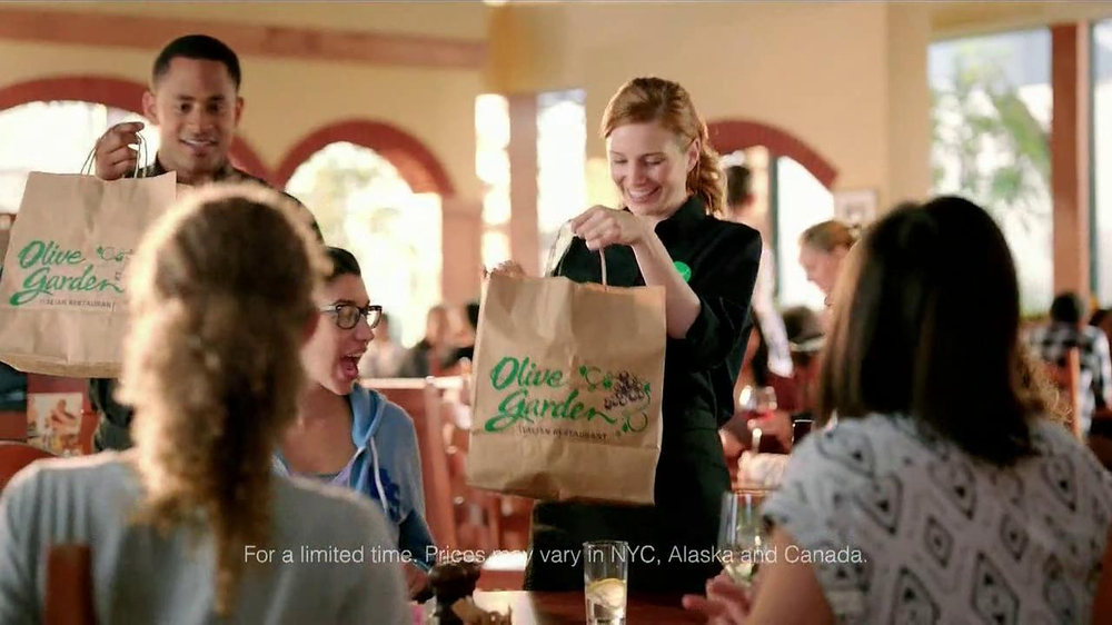 Olive Garden TV Spot, 'Buy One, Take One' - Screenshot 4
