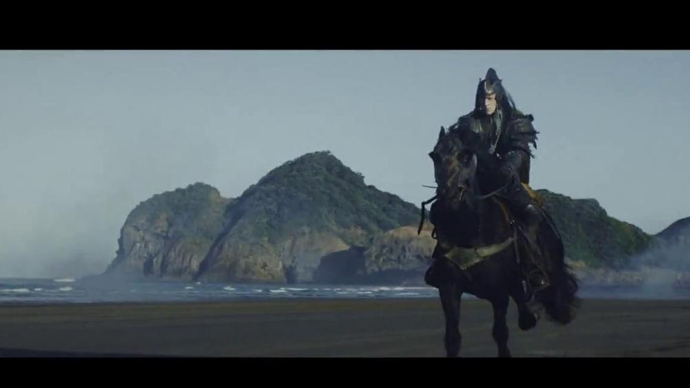 Samsung Smart TV TV Spot, 'Recommendations' Song by Kill It Kid - Screenshot 1