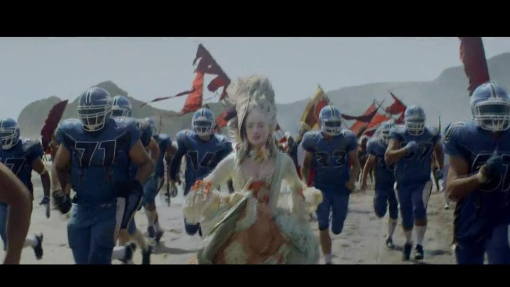 Samsung Smart TV TV Spot, 'Recommendations' Song by Kill It Kid - Screenshot 3